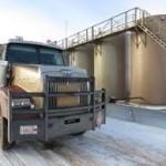 00989_truckersoilfield
