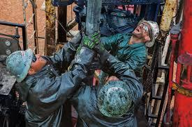 oilfieldworkers1